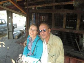 Eduardo White e Doris Wieser nas barracas do Pulmão
