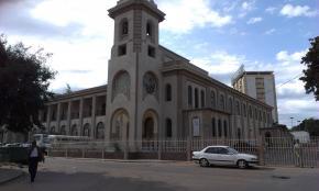 Igreja São João Evangelista da Malhangalene que alberga a Escola Secundária São Vicente Paulo