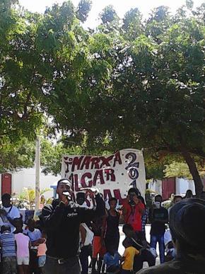 Hélio Batalha na marcha Cabral