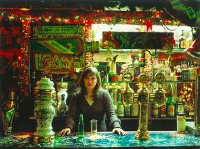 Rodrigo Bettencourt da Câmara. 'Bar no Hamburgo Bar' da série 'Hamburgo Bar', Fotografia s/papel fine arts Hahnemuhle Photo Rag de 270 g. Exemplar 1/6, 60x75 cm, 2006/2007