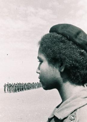 Destacamento feminino, CIR Hoji-Ya-Henda, 1975 | Foto de João Nunes
