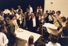 ACARTE 1985, Exposição-Diálogo Sobre Arte Contemporânea, 1985. Wolf Vostel, O Jardim das Delícias.foto de Eduardo Gageiro
