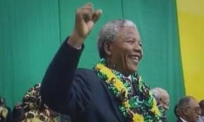 No filme 'Behind the Rainbow' mostra os desafios vividos na África do Sul pós-Apartheid