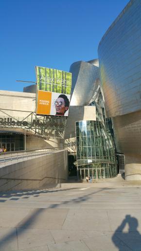 'Making Africa- um continente de desenho contemporâneo', comissariada por Okwui Enwezor para o Museu Guggenheim de Bilbao