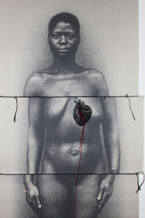 Assentamento(s), de Rosana Paulino (2013). Impressão, costura e linóleo sobre tecido.