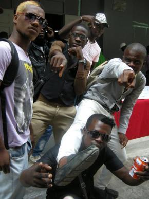 kuduristas na conferência sobre kuduro, Luanda 2011, foto de Marta Lança