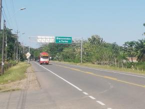 Os migrantes africanos chegam a Turbo depois de atravessar o Equador e a Colômbia pela estrada Panamericana. Urabá Noticias (Benjamín Acevedo)