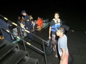 Armada de México - Resgate de 44 migrantes que viajavam barcos ilegais, em Turbo