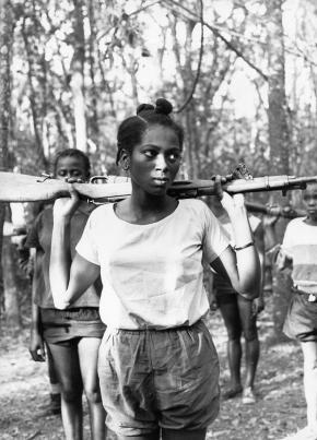 © Augusta Conchiglia (Angola, 1968)