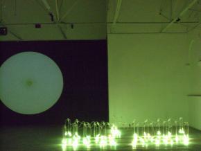 Instalação de Younès Rahmoun no espaço Doual'art, Douala