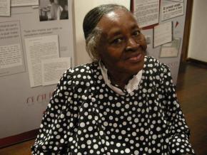 Alda Espírito Santo (1926-2010), saudosa poeta santomense, estava na Bienal