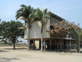 Liceu do Lobito, obra de Castro Rodrigues, fotografia Cristina Salvador