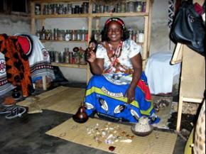 D. Isaura, uma nyanga extrovertida e inovadora (foto P. Granjo)