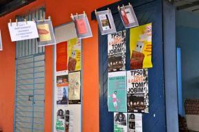 cartazes no Franco-moçambicano