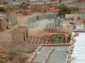 Construção no Bairro da Boa Esperança, Luanda-