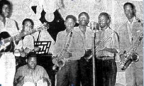 orquestra Djambu em plena actuação