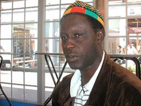 o sengalês Moussa Touré que dirigiu 5x5 (2005)