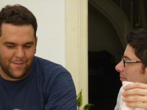 Jorge Rocha (artista e membro da Xerem) e Alessio Antoniolli (director da Gasworks e da Triangle Arts Trust)