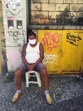 Vendedor de pano de chão, na Figueiredo Magalhães