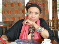 Música, um veículo de aproximação - entrevista a Celina Pereira
