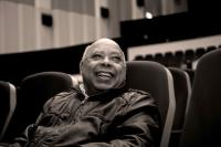 O teatro é uma arte do presente - entrevista a Rogério de Carvalho