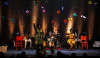 Carregar o mundo nos cabelos: T'Ayó, o Musical