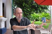 A função provocadora do artista, entrevista a Sol de Carvalho